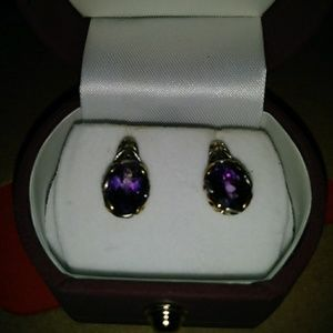 Jewelry - 2 ct amethyst earrings